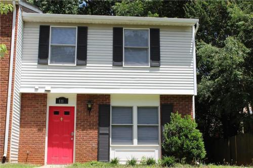111 Roswell Commons Way Photo 1