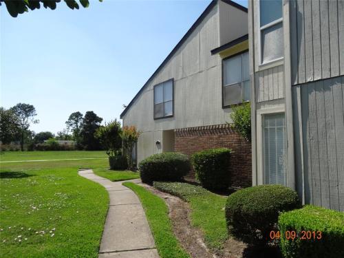 7847 Green Lawn Drive Photo 1