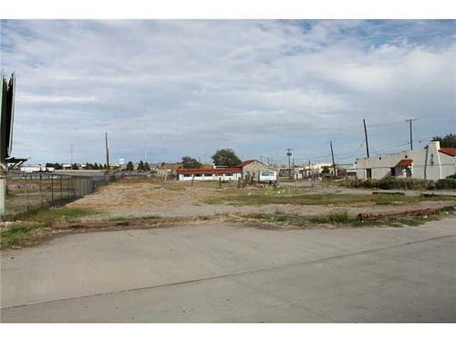 7225 N Loop Drive Photo 1