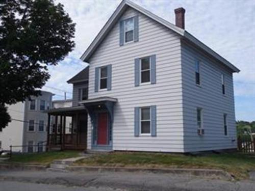 2 Oak Street Photo 1