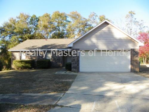 7645 Northpointe Dr Photo 1