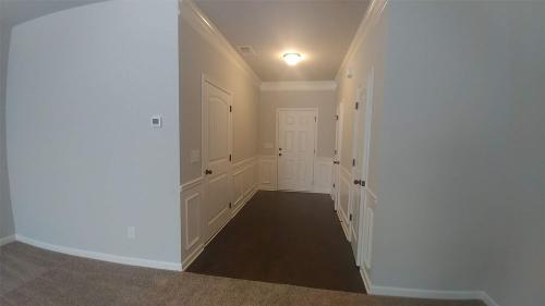 312 Valley Crossing Photo 1
