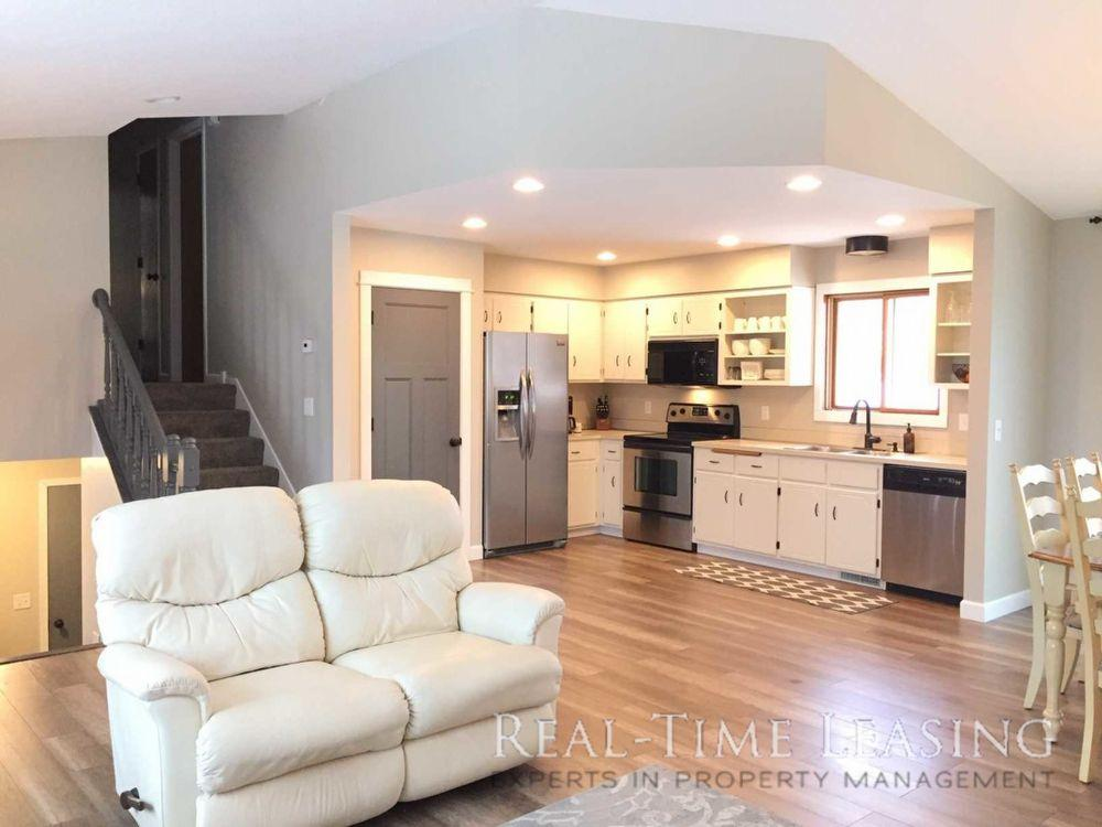 7645 Upper 24th Street N, Oakdale, MN 55128 | HotPads on blueprints for houses with open floor plans, mansion plans, i house architecture, i house home, home design floor plans, home builders floor plans, roof plans, split level home floor plans,