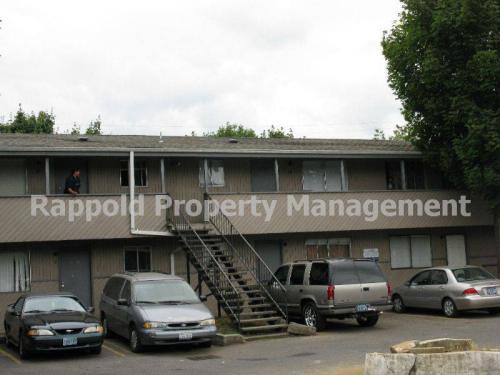 12900 SE Division Street #15 Photo 1
