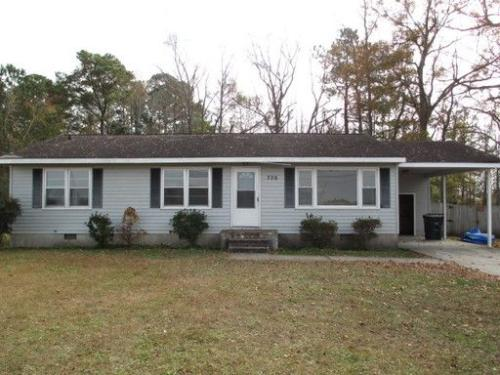 706 Country Club Road Photo 1