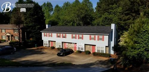 2896 Spruce Circle Photo 1