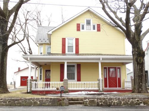 1223 Newport Road Photo 1