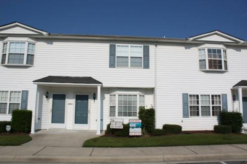 3951 Sterling Pointe Drive #0004 Photo 1