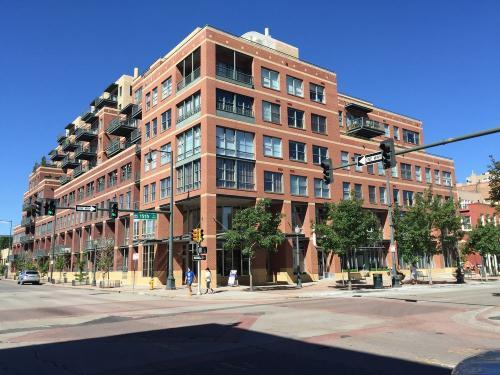 1499 Blake Street Photo 1