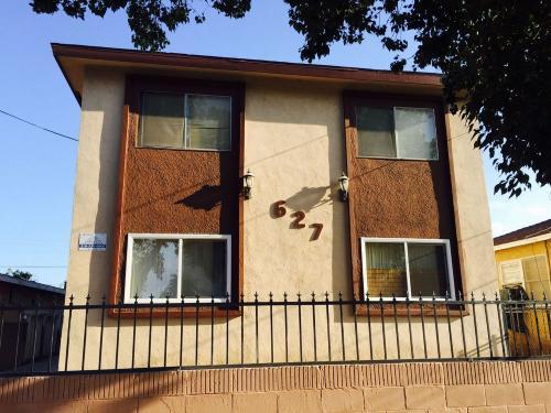 627 W Oliver Street Photo 1
