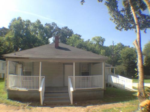 3311 Alabama Ave NE Photo 1