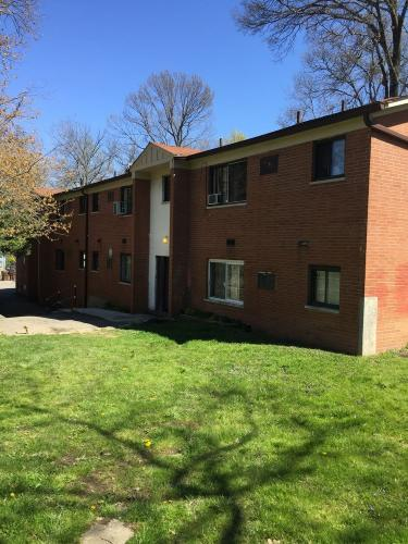 *2BR, 1BA Second Floor Apt. - A2 located in Ple... Photo 1