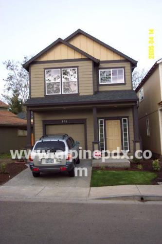 571 SE Heathcliff Lane Photo 1