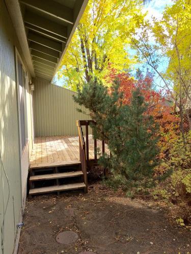 152 SW West Pine #3 Photo 1