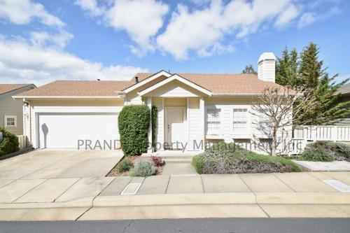 328 Sterling Way Photo 1
