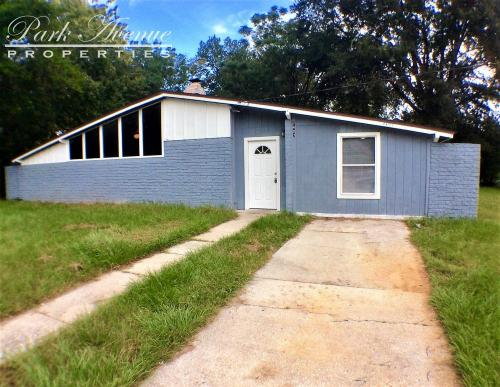 7407 Canaveral Rd Photo 1