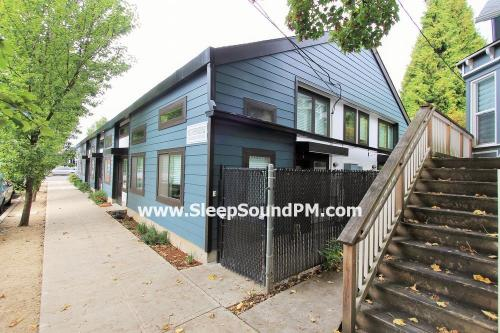 1101 SE Sherman Street Photo 1