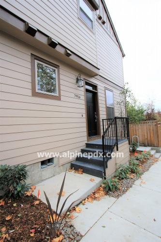 7916 SW Capitol Hill Road Photo 1