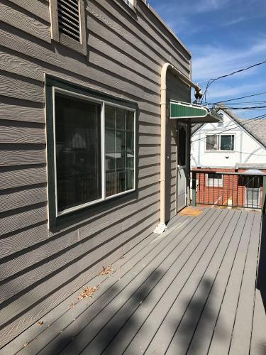 463 1/2 S Auburn Street Photo 1
