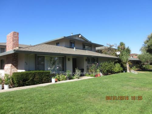 878 Castlewood Drive #2 Photo 1