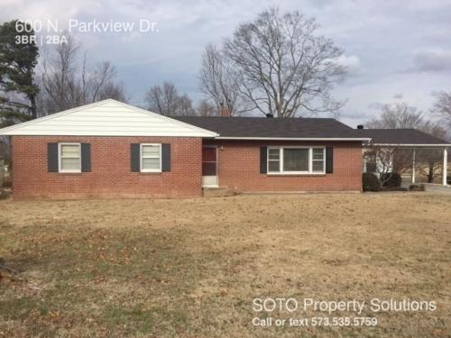 600 N Parkview Drive Photo 1
