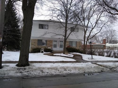3120 W Thurston Avenue Photo 1