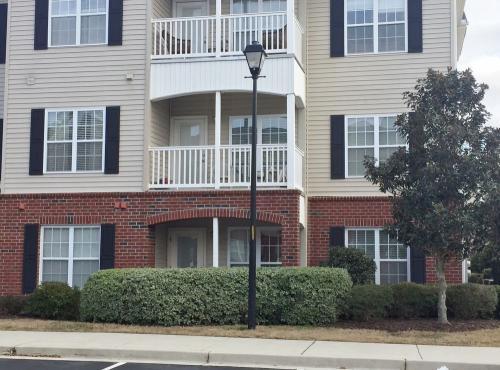 2813 Bloomfield Lane #102 Photo 1