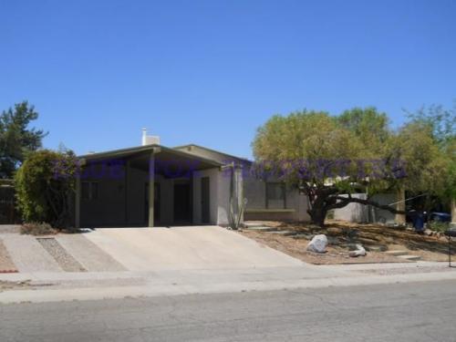 2800 W Desert Crest Drive Photo 1