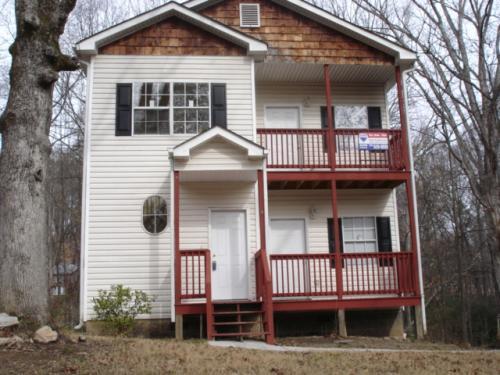 2443 Main Street B Photo 1