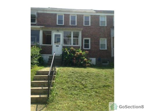 6735 Woodley Rd Photo 1