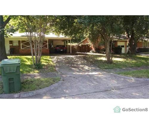 530 W Ridgewood Drive Photo 1