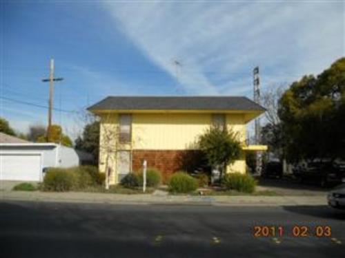 516 W Tregallas Road #2 Photo 1
