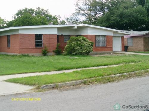4518 Creekmoor Drive Photo 1