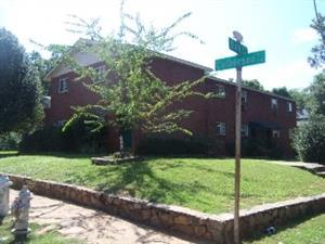 1060 Oak Street SW Photo 1
