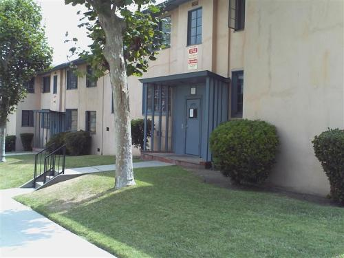 4086 Hillcrest Drive Photo 1
