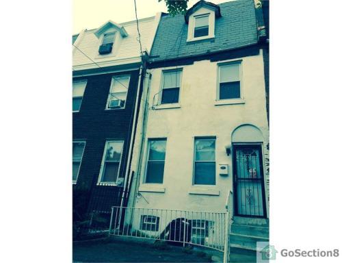 2130 N Franklin Street Photo 1
