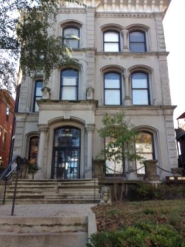 418 W Ormsby Avenue Photo 1