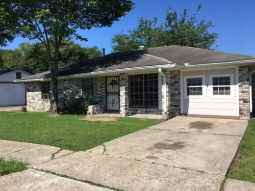 2032 Waters Dr Photo 1