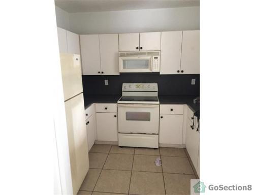17100 SW 100th Avenue #2 Photo 1