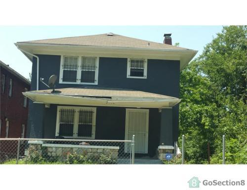 2534 Woodland Ave Photo 1