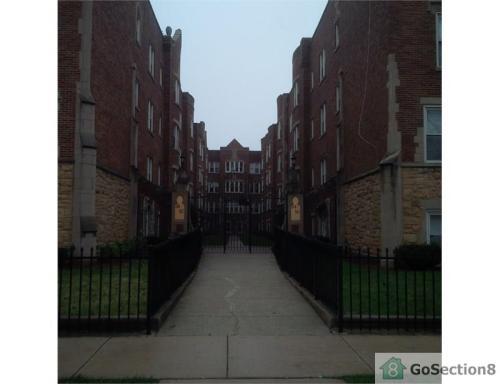 44 N Menard Avenue Photo 1