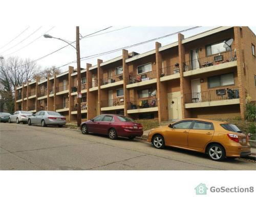 1027 W Spencer St Photo 1