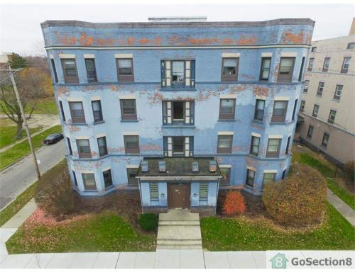 401 W Bancroft Street #102 Photo 1