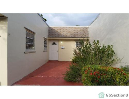 17262 SW 112th Place Photo 1
