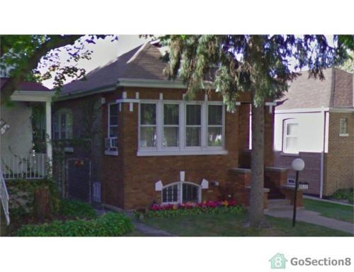 8822 S Morgan Street Photo 1