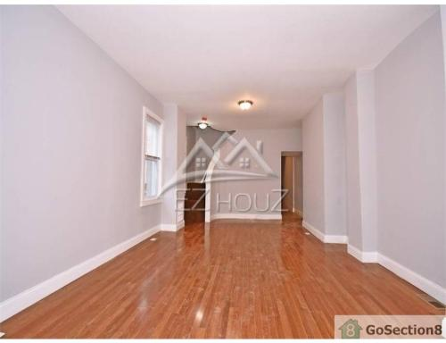 943 Homestead Street Photo 1