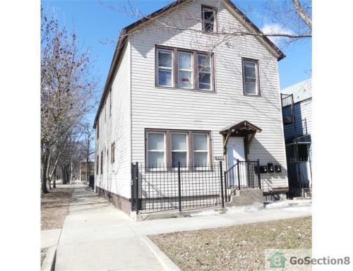 8756 S Exchange Avenue Photo 1