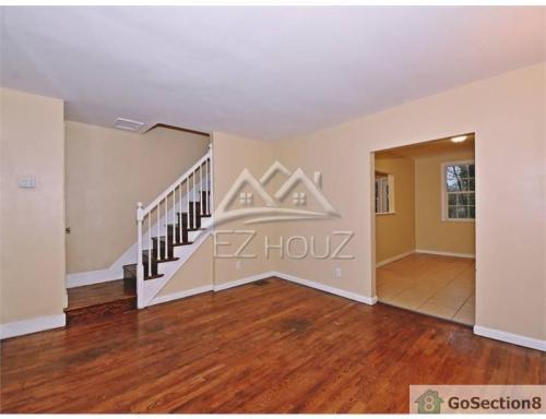 929 E 41st Street Photo 1