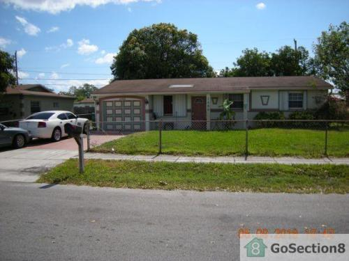 1480 NW 32nd Avenue Photo 1