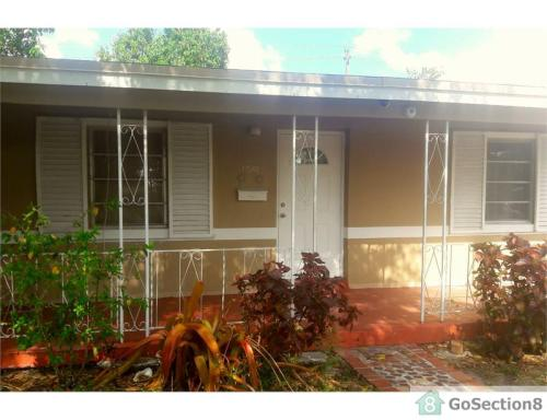 15901 NW 17th Court Photo 1